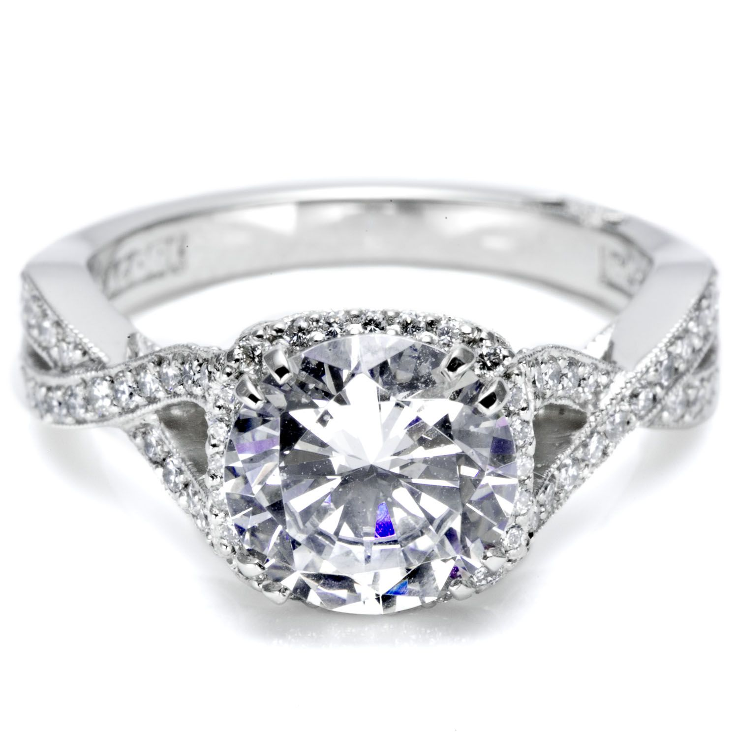 Engagement Ring Find out her style and her Favorite Designers
