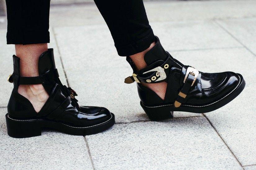vente chaude en ligne 8fa55 e6041 Balenciaga cut out boots | Shoes | Chaussure, Chaussure ...