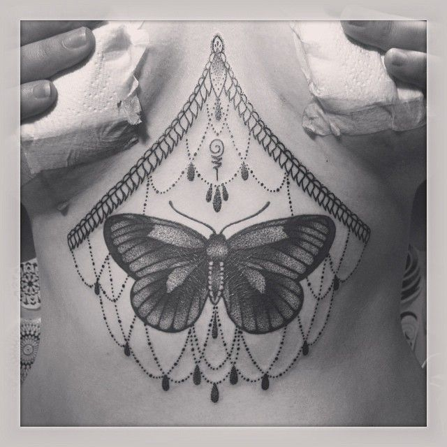 I love this placement, but how would you wear a bra while it was healing? Lol  byEma Sweeney - http://instagram.com/emasweeney