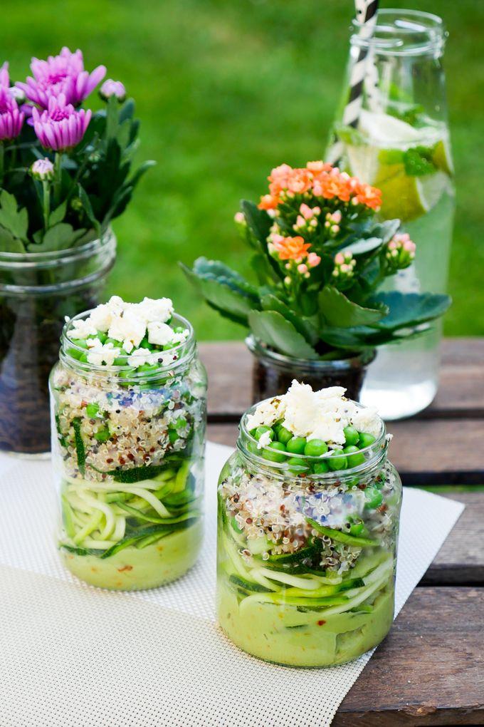 Salat mit avocado vegan