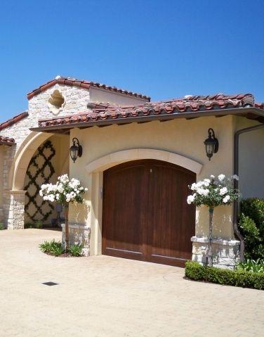Love this garage | Villa | Casas mediterráneas, Fachada de