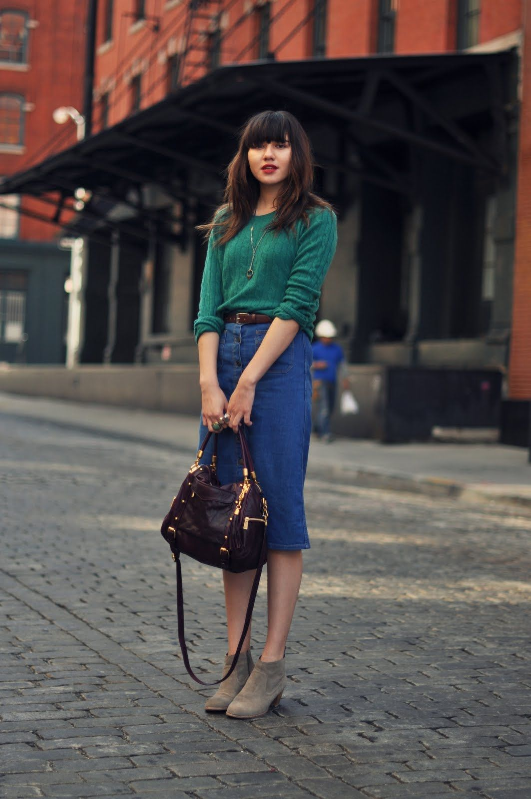 53d6330e0e0 Green sweater with denim skirt and tan boots. Cute cute cute. ♥