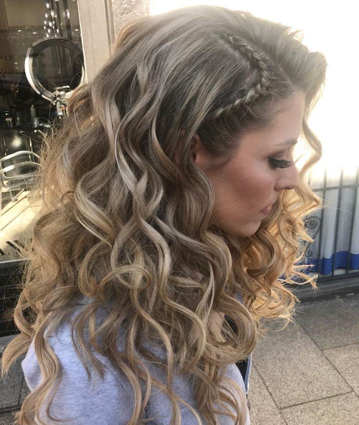 Más notable peinados con pelo rizado Galería de tendencias de coloración del cabello - Cabello rizado | Peinados con cabello suelto, Peinados ...