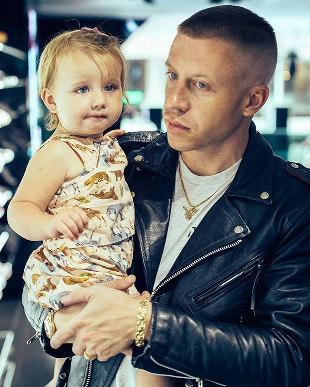 The Sweetest Photos Of Macklemore S Daughter That Will Make You Smile Like A Weirdo Macklemore Daughter Macklemore Celebrities