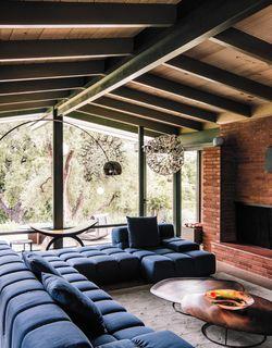 creative revival of a modernist gem stilwerk pinterest wohnzimmer architektur und haus. Black Bedroom Furniture Sets. Home Design Ideas