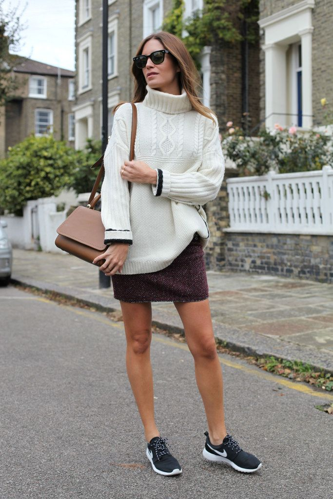 I'm wearing: Skirt and jumper from Swildens, Nike trainers, Max Mara bag and RayBan sunnies.