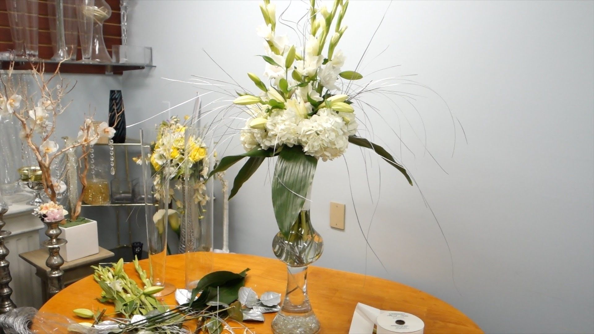 How to Make a Tall Wedding Arrangement with Hydrangeas and Lilies ...