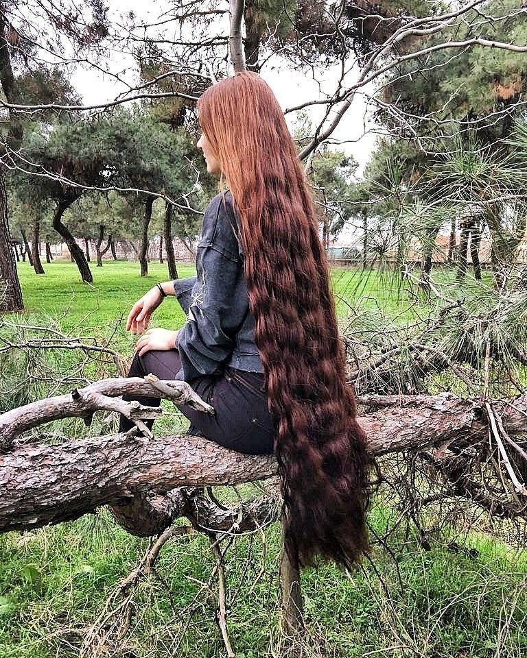 Love seeing long hair in natural settings.