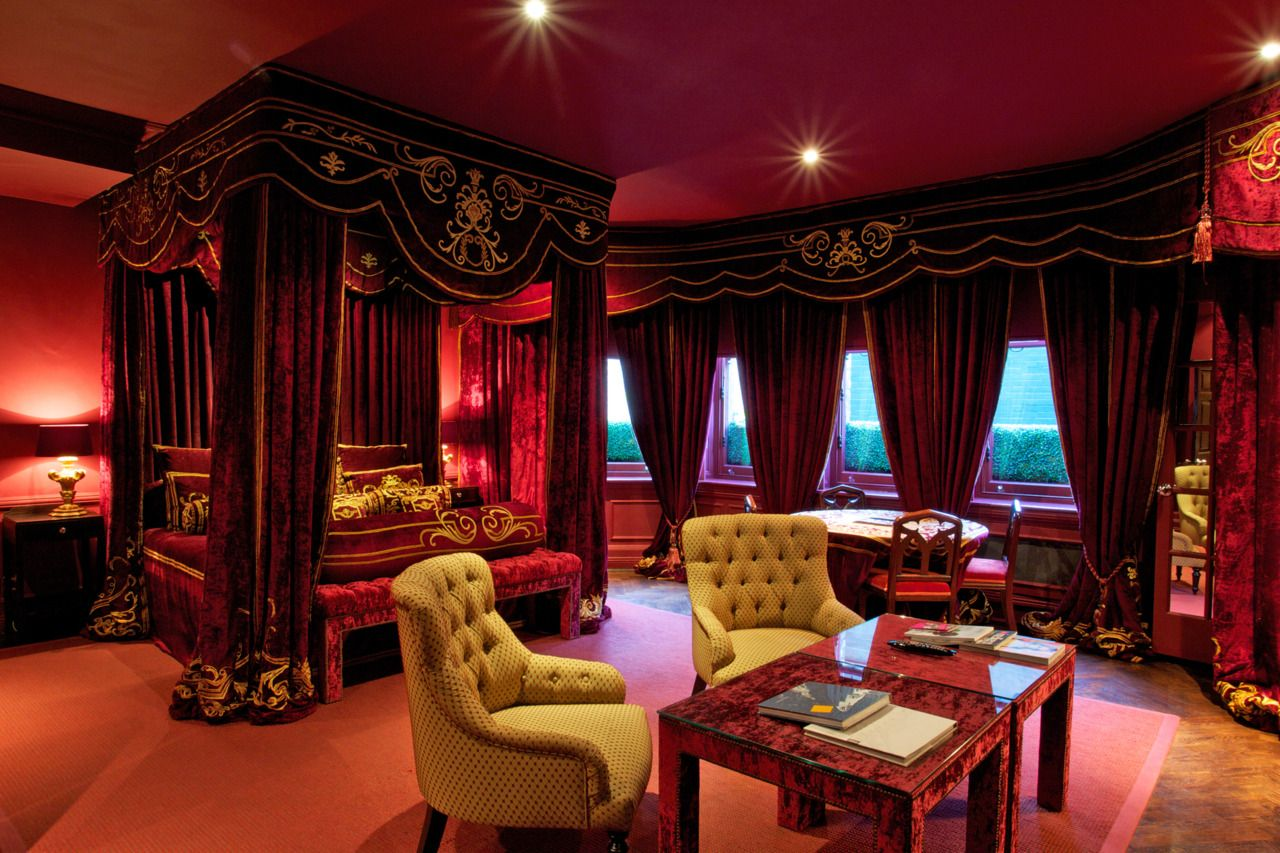 Royal home interiors exotic bedroom belongs to other for Interior design for bedroom red
