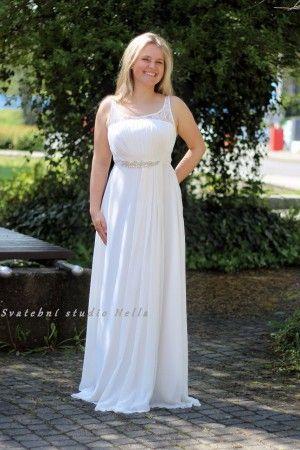 Bílé dlouhé plesové společenské šaty. Ceny na www.svatebninella.cz  plesové  šaty 9e6e2a2cb7