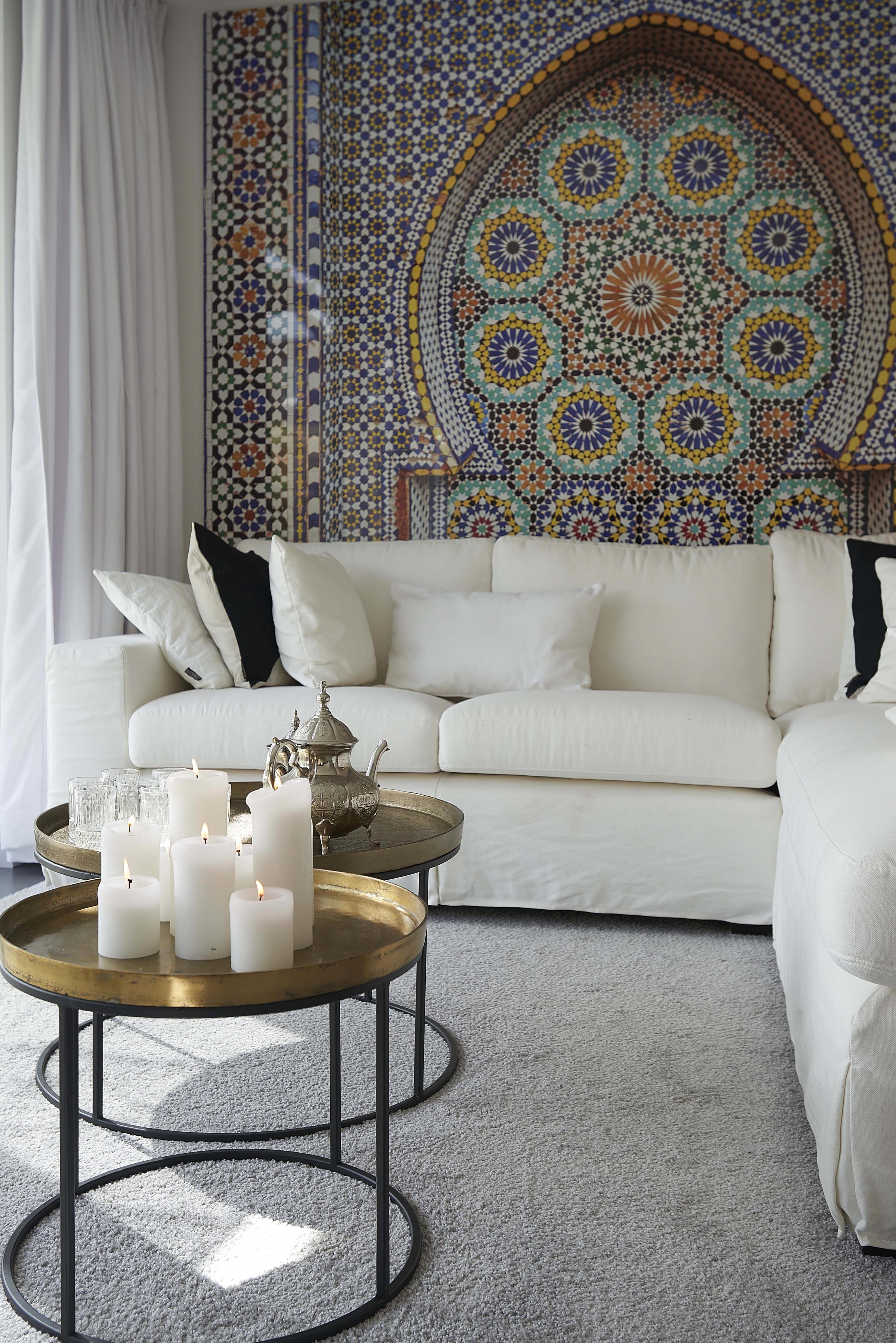 A Big No No To Classic White Furniture That Wall Though