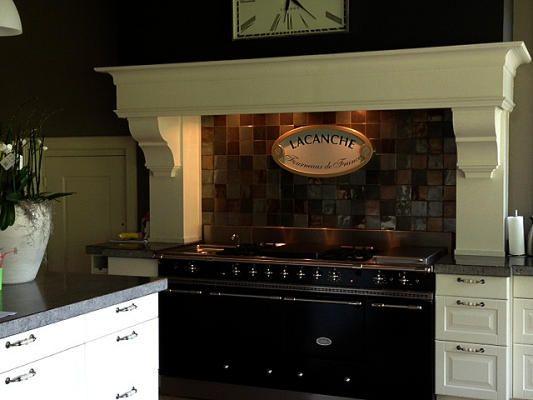 Keukenschouw voor landelijke keukens of dampkap schouw ornamenten of zuilen consoles keuken - Credenza voor keuken ...