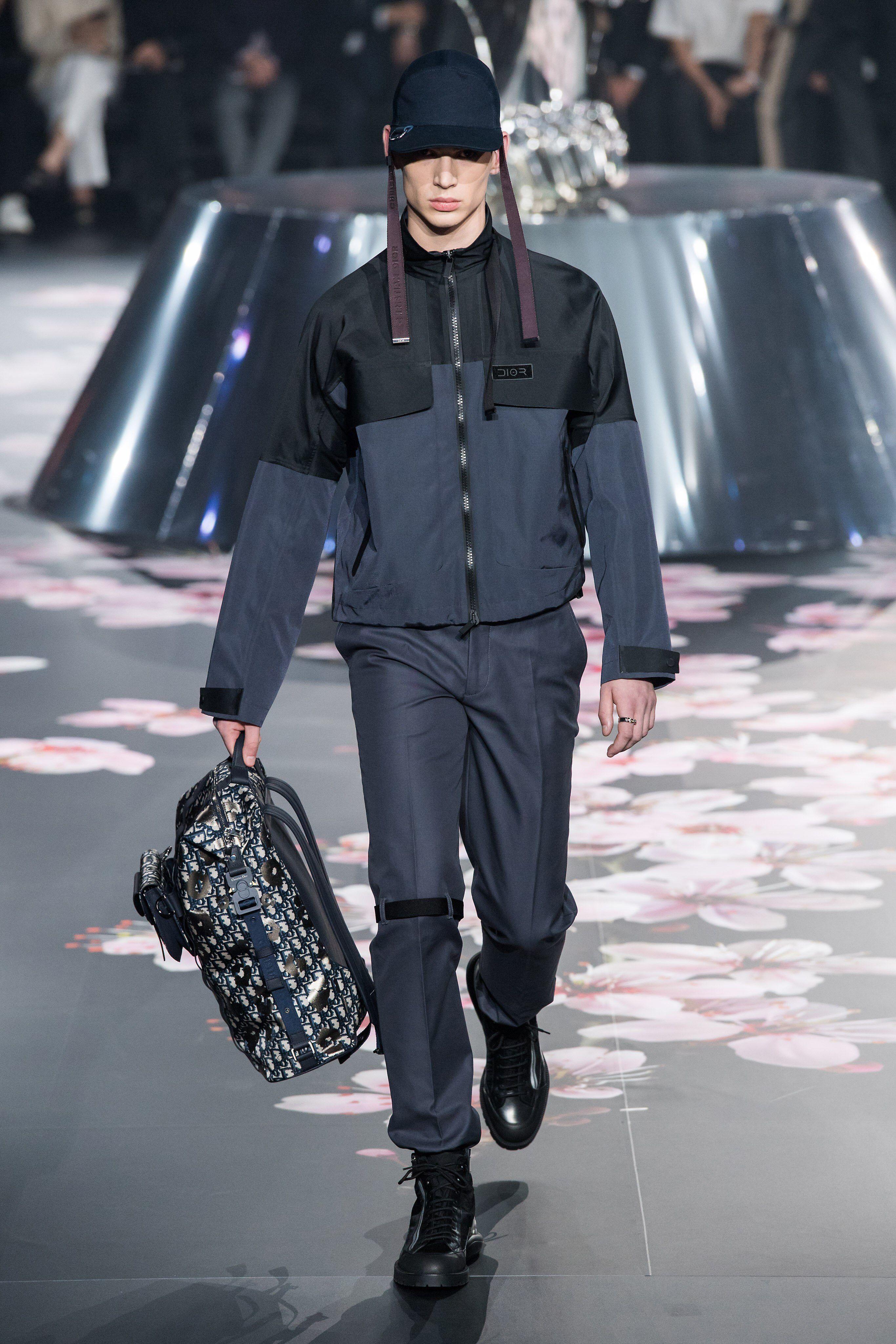 Dior Men Pre-Fall 2019 Fashion Show Collection  See the complete Dior Men  Pre-Fall 2019 collection. Look 21 353f003bbb0