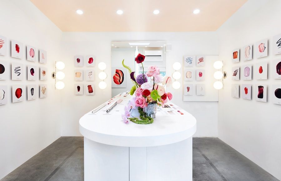Glossier Pops Up in the Seaport Pop up, Pop up store