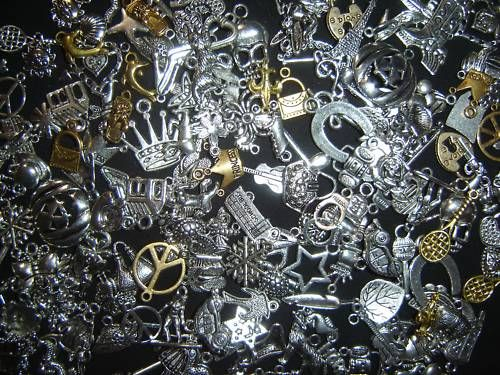 http://www.ebay.com/itm/150-PiEcE-LoT-MiXeD-ThEMe-SiLvER-GoLd-ChArMs-PeNdAnTs-FiNdiNgS-ARt-CReATe-/250926977496?fb_action_ids=4888815136977_action_types=og.likes_source=other_multiline_object_map=%7B%224888815136977%22%3A615501985133798%7D_type_map=%7B%224888815136977%22%3A%22og.likes%22%7D_ref_map=%5B%5D
