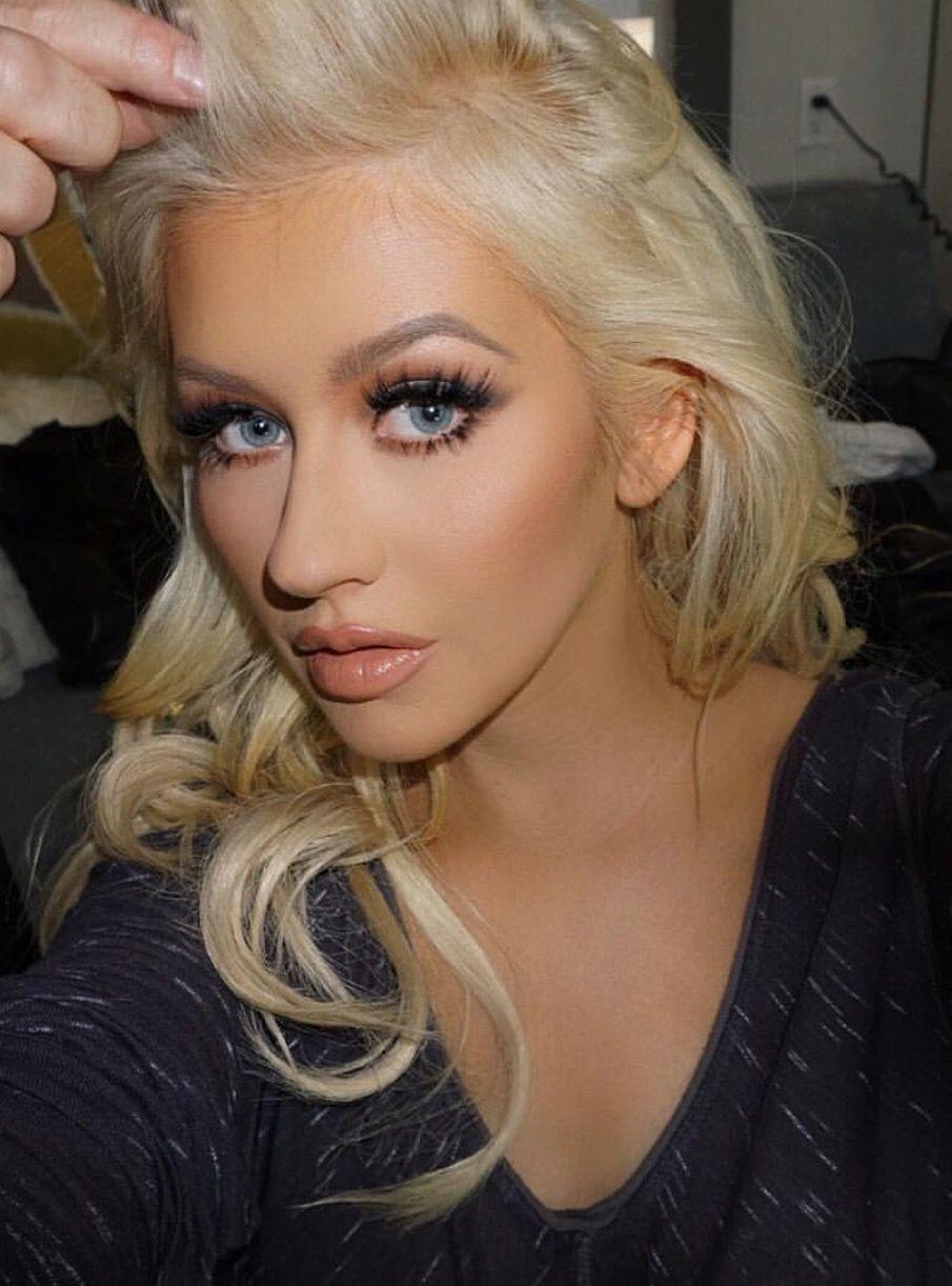 Christina Aguilera - Brown Smo...