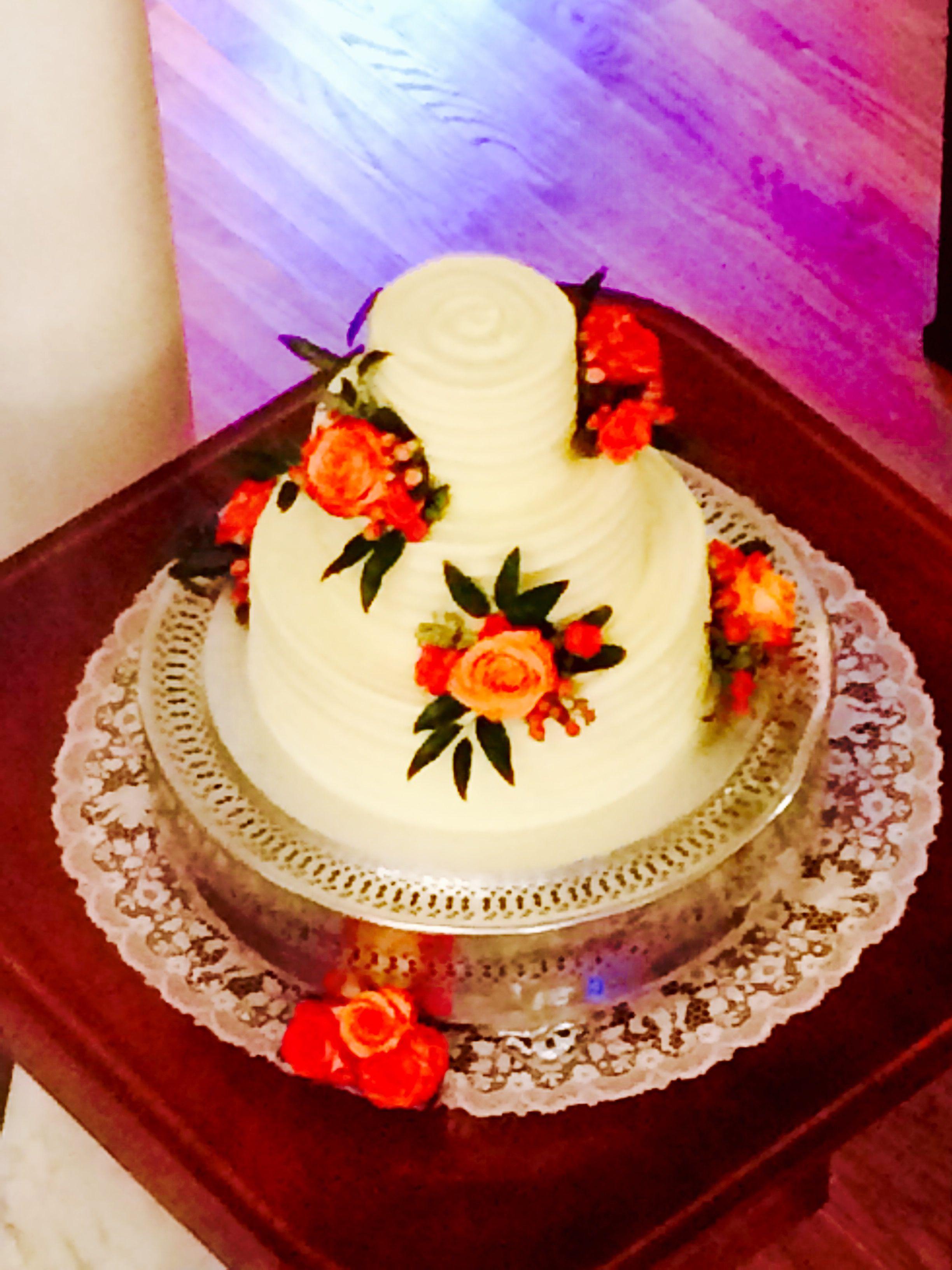 Wedding Cake by Edgar's Bakery of Birmingham; Flowers by Cynthia ...