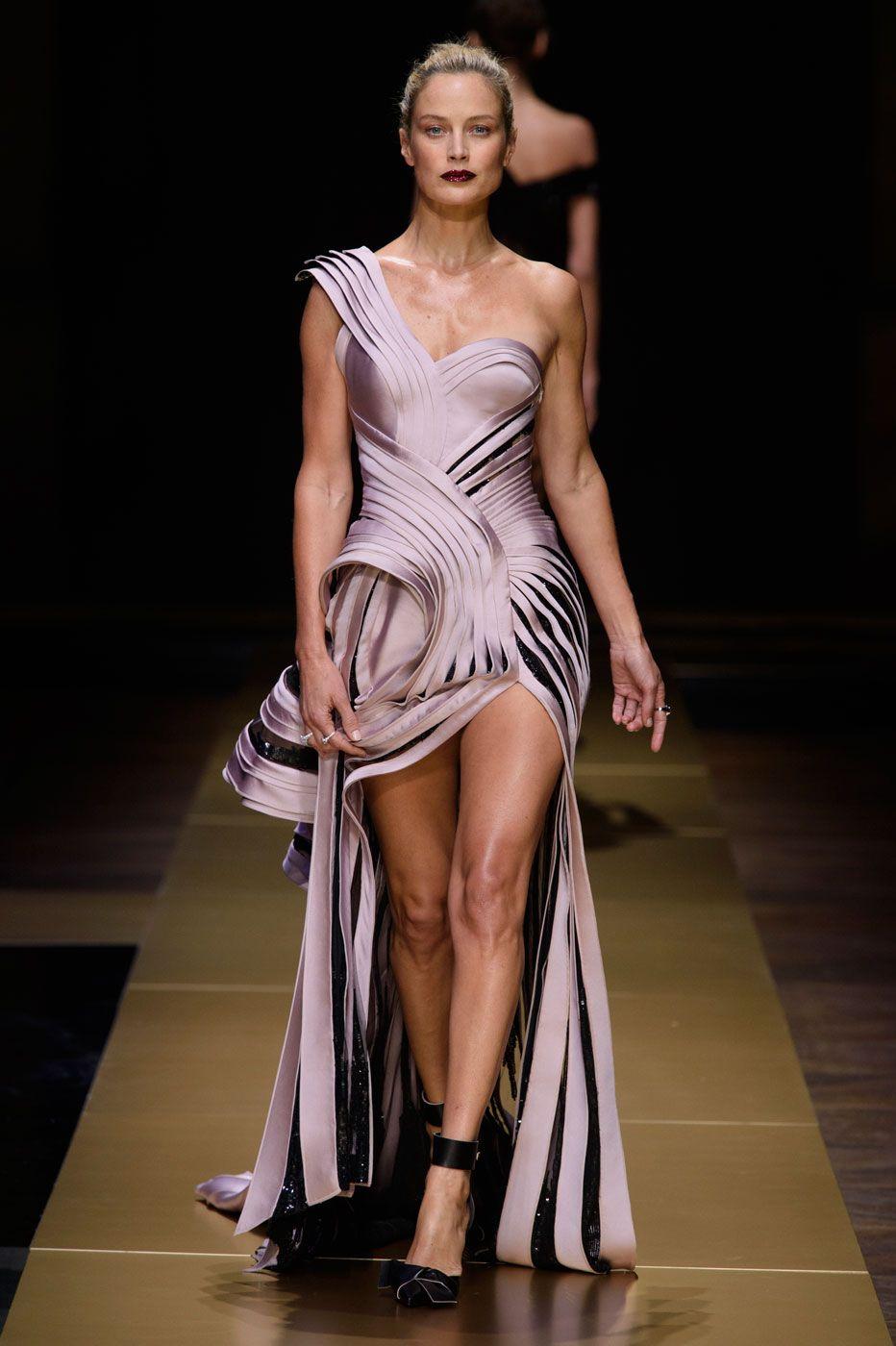 Versace wedding dress  Atelier Versace autumnwinter   Atelier versace Versace and