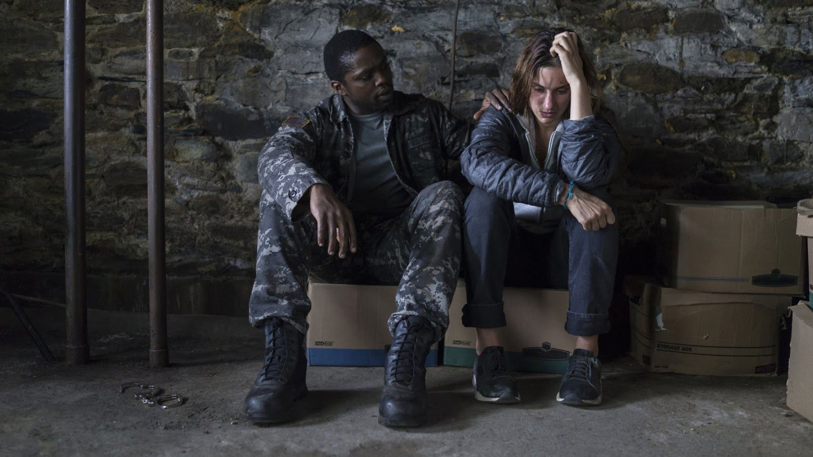 American Horror Story Cenas Quentes okezie morro and danica curcic in the mist tv series (9) em