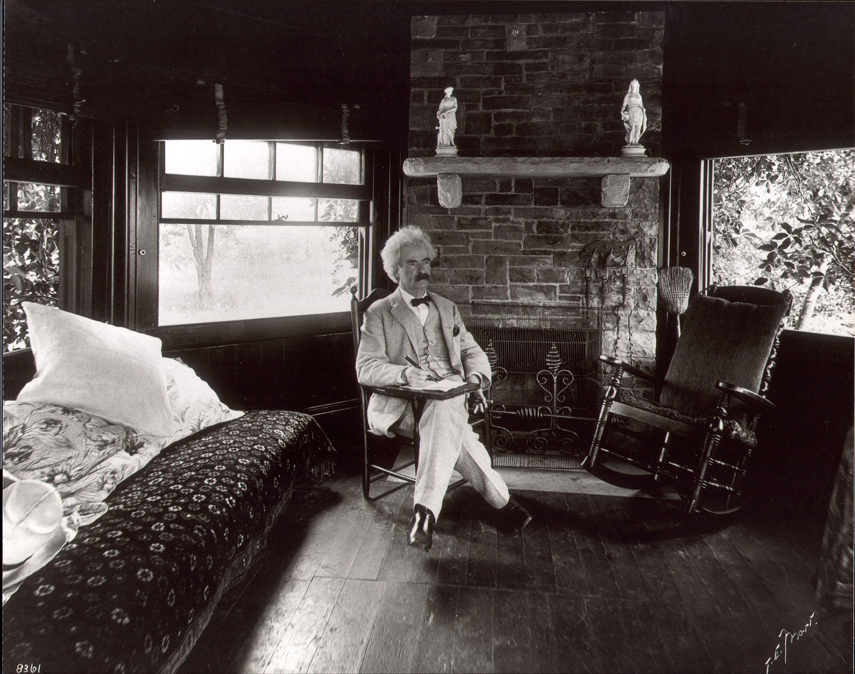best images about mark twain  17 best images about mark twain 1835 1910 hannibal missouri fotografia and secretary
