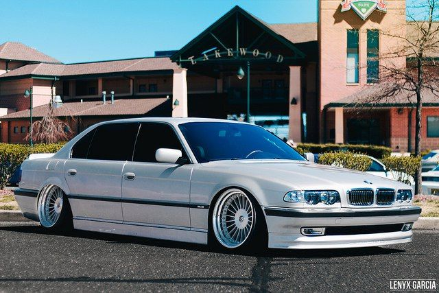 White Bmw 7 Series Stance With Images Bmw Bmw E38 Bmw 740