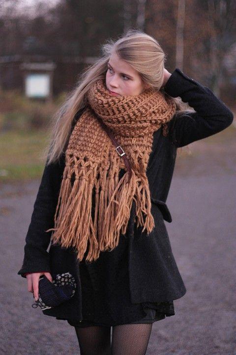 2013 Fall/Winter Crochet Scarf for girls . Winter scarf for fashion girls   #girls #fashion #scarf  www.loveitsomuch.com