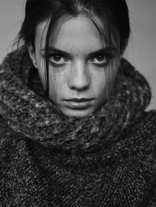 """Bayan modellerimizden 1.76 boyunda, 83-59-89 ölçülerine sahip, Ela gözlü kumral saçlı, """"Larissa"""" yakında şehirdedir. Diğer resimleri için linki tıklayabilirsiniz. bit.ly/1Mr00PC #bayanmodel #model #ajans #casting #castajans #manken #cast"""