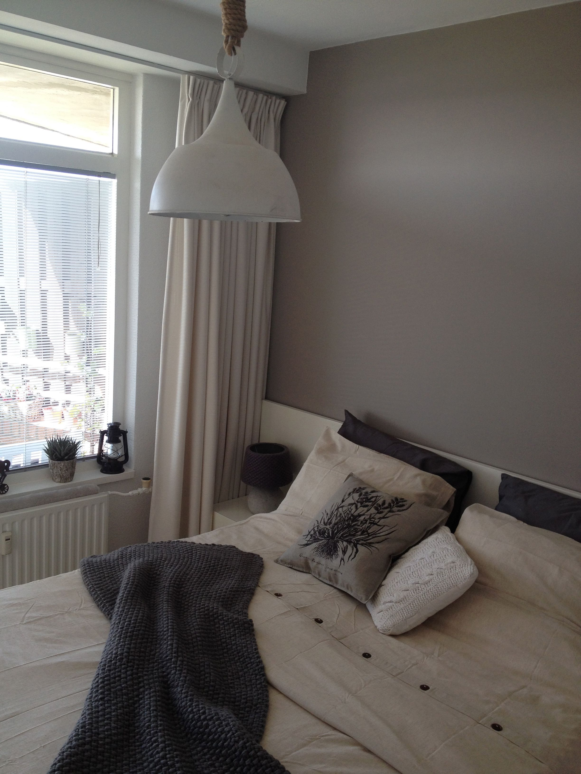 Slaapkamer landelijk bruin grijs beach | Puur wonen | Pinterest