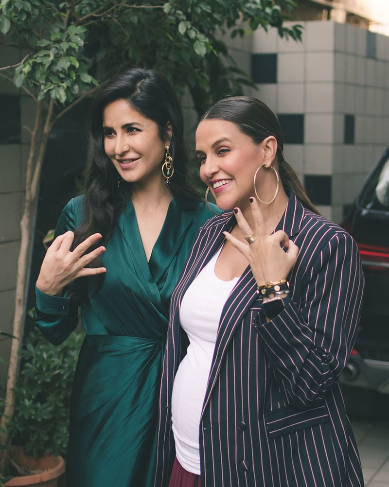 Katrina Sports An Emerald Green Number And A Pregnant Neha Stuck To A White Tee Bollywood Celebrities Most Beautiful Indian Actress Beautiful Indian Actress