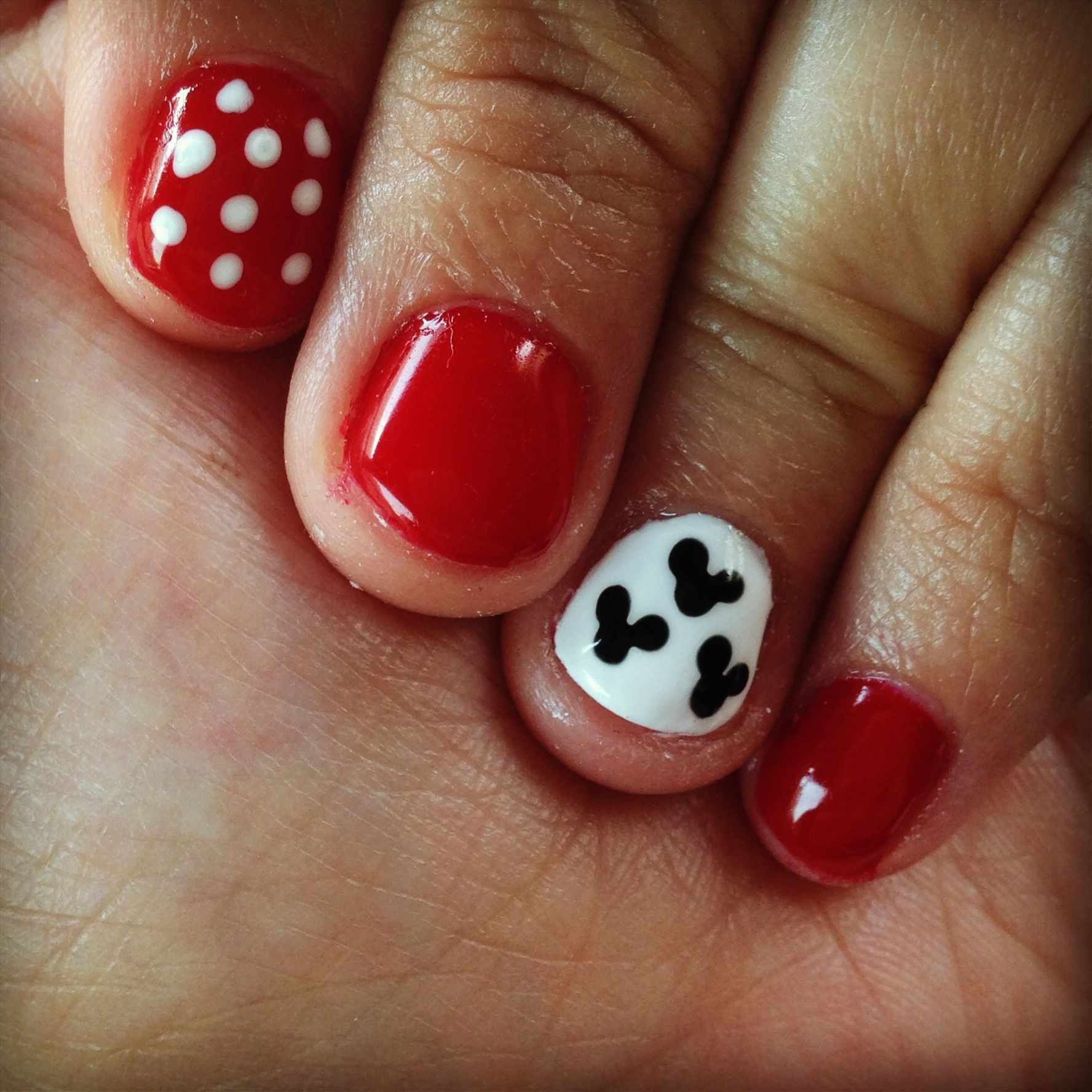 Mickey And Minnie Mouse Inspired Nail Art My Own Dyi And My Stuff