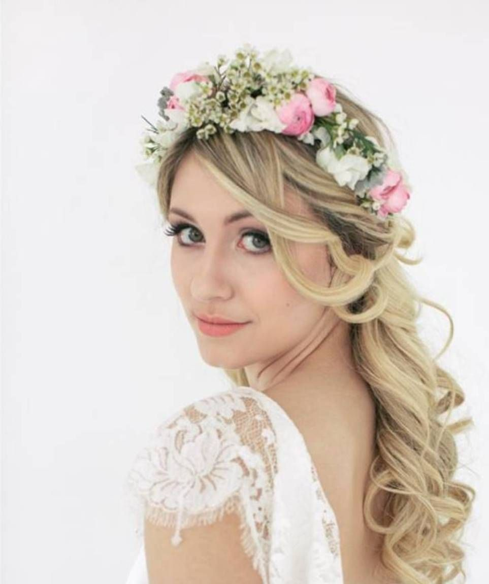 tips in getting beach hair waves in your wedding day | beach hair