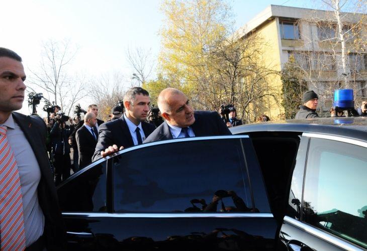 Извънредно! Борисов отива при размирните бежанци в Харманли - http://novinite.eu/izvanredno-borisov-otiva-pri-razmirnite-bezhantsi-v-harmanli/