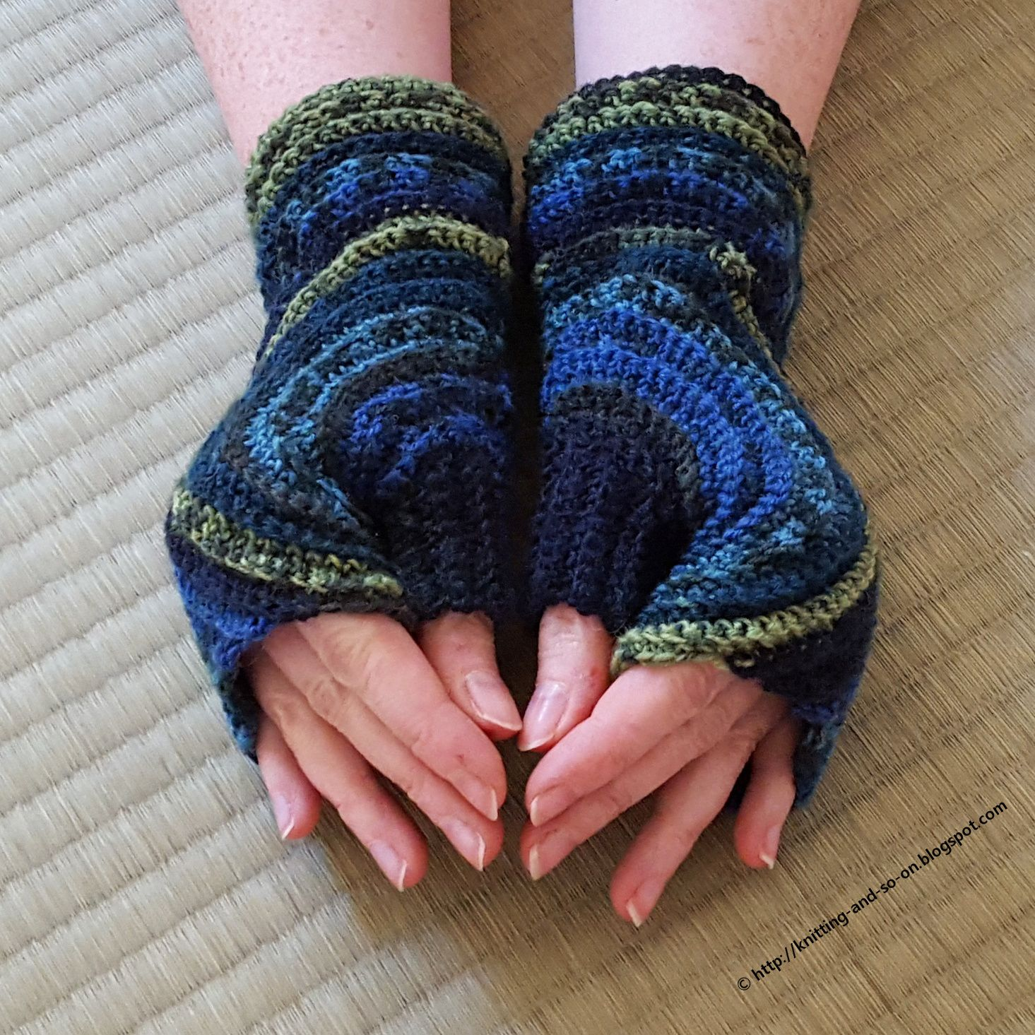 Knitting and so on: Kreisel Fingerless Gloves | Crochet - Winter ...