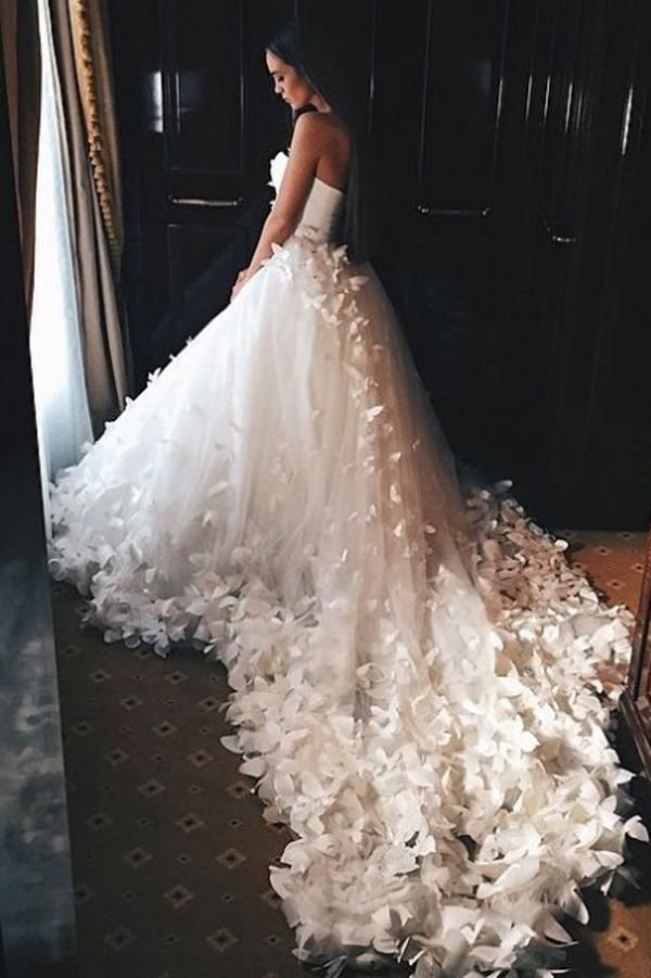 Elegant Sweetheart Strapless Lace up Tulle Court Train Wedding Dresses With Flowers JS233