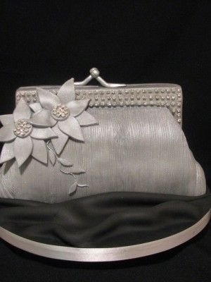 Vintage purse cake! So pretty!
