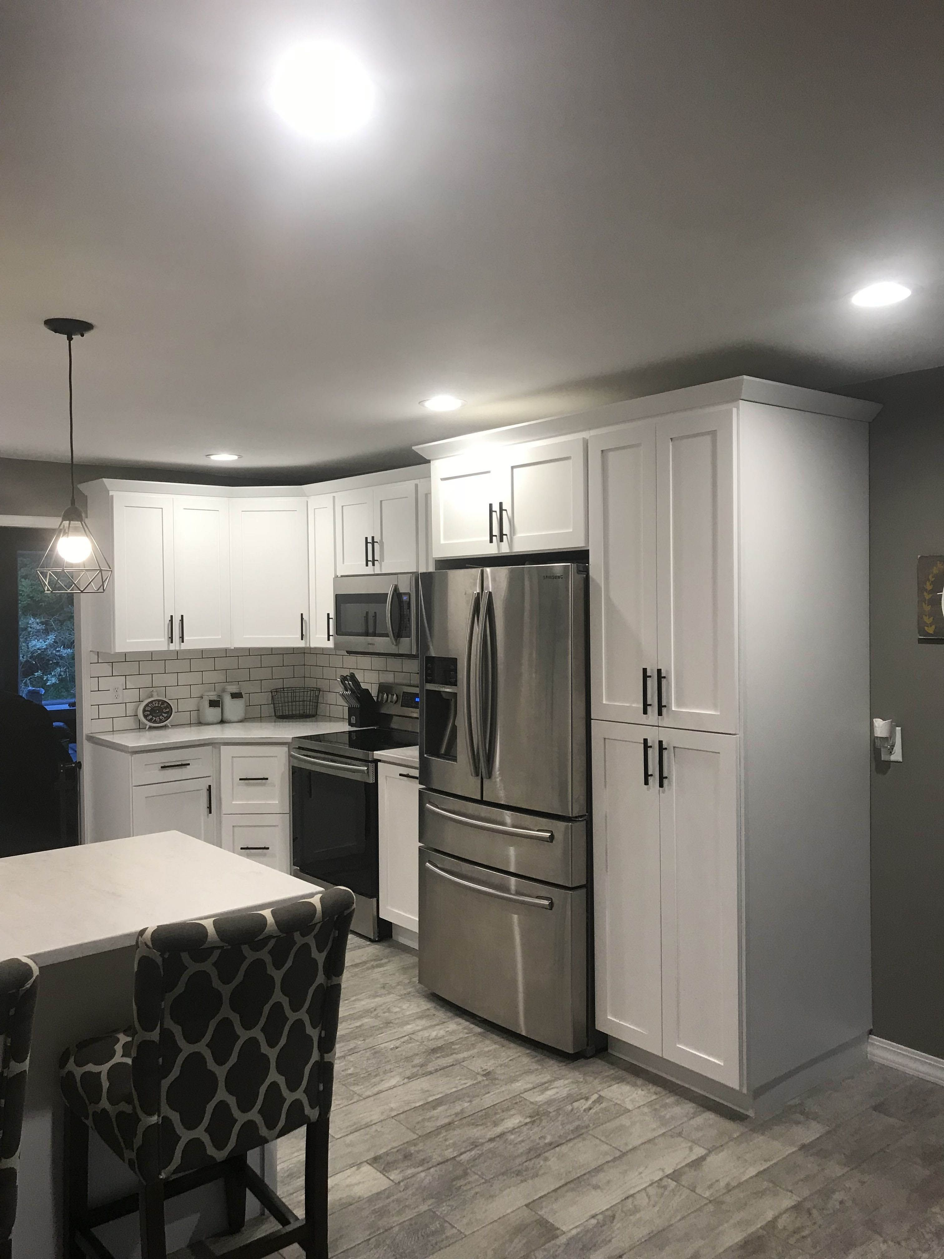 Ways To Style Gray Kitchen Cabinets In 2020 With Images White Shaker Kitchen Cabinets White Shaker Kitchen Home Remodeling