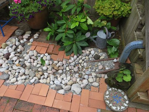 17 Best Ideas About Landscaping On Pinterest: 17 Best Ideas About Gutter Drainage On Pinterest
