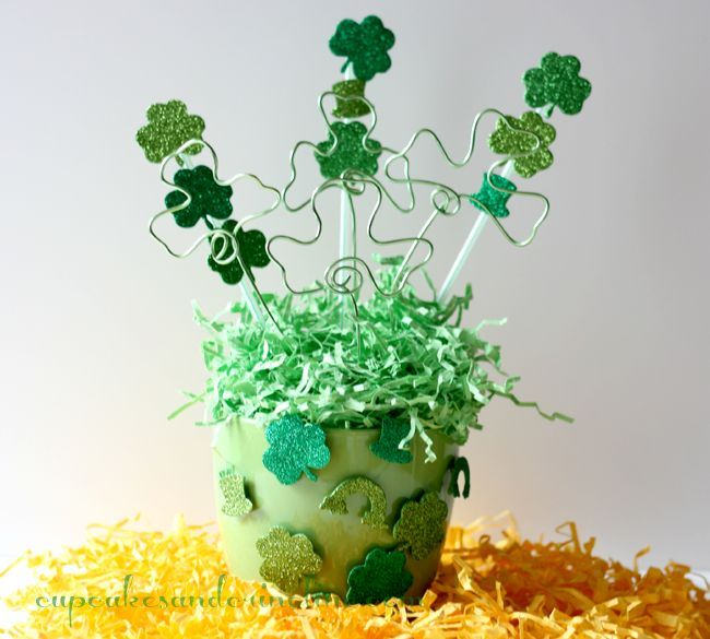 St. Patrick's Day Centerpiece ~ Dollar Tree DIY