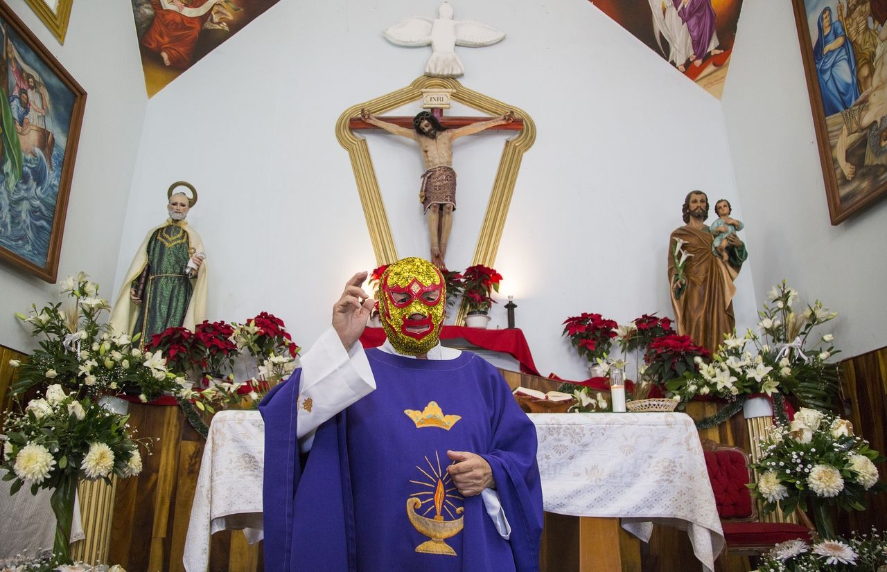 Addict Priest Luchador The Unbelievable Life Of Fray Tormenta