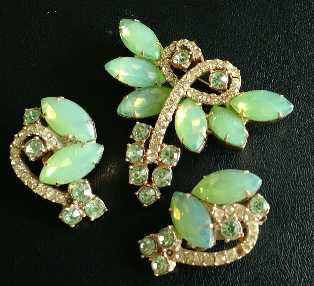 Vintage High End JULIANA SET Brooch Pin Earrings Peridot Green Rhinestone 1270