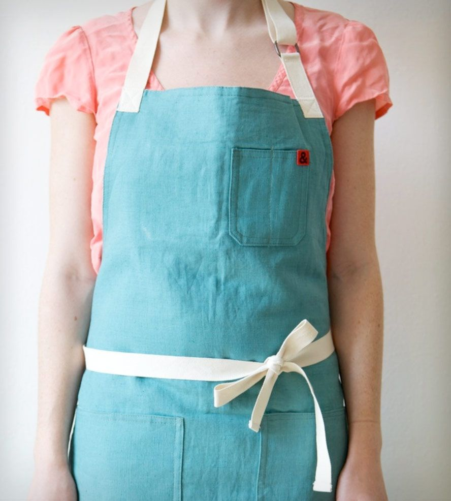 Lasson Street Linen Apron | Home Kitchen & Pantry | Hedley & Bennett | Scoutmob Shoppe | Product Detail