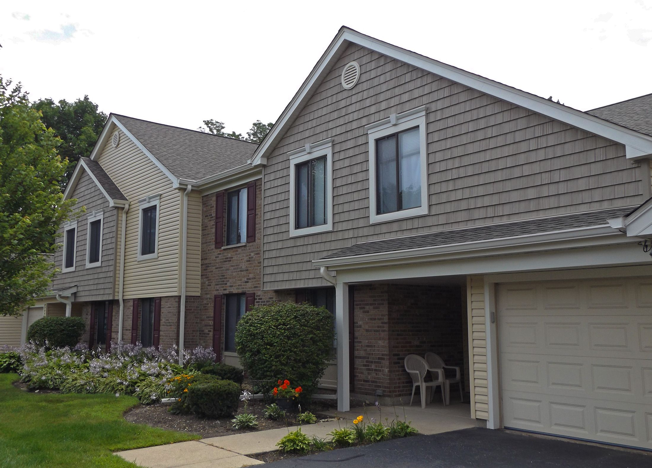 Our Other Completed Multi Family Project With Vinyl Siding And New Roof Installation In Winfield Il Does Your Con Roof Installation Installing Siding Remodel