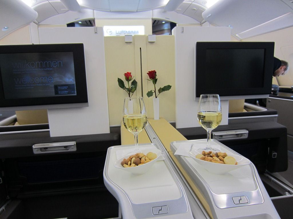 lufthansa airbus a380 800 first class first class commercial interiors pinterest airbus a380. Black Bedroom Furniture Sets. Home Design Ideas
