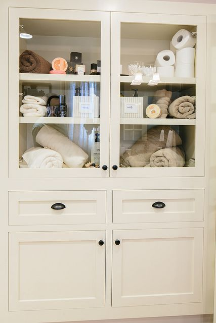 Charmant Built In Linen Closet With Glass Front Cabinets   Great Way To Show Off  Your Gorgeous Linens! #wecanbuildthat