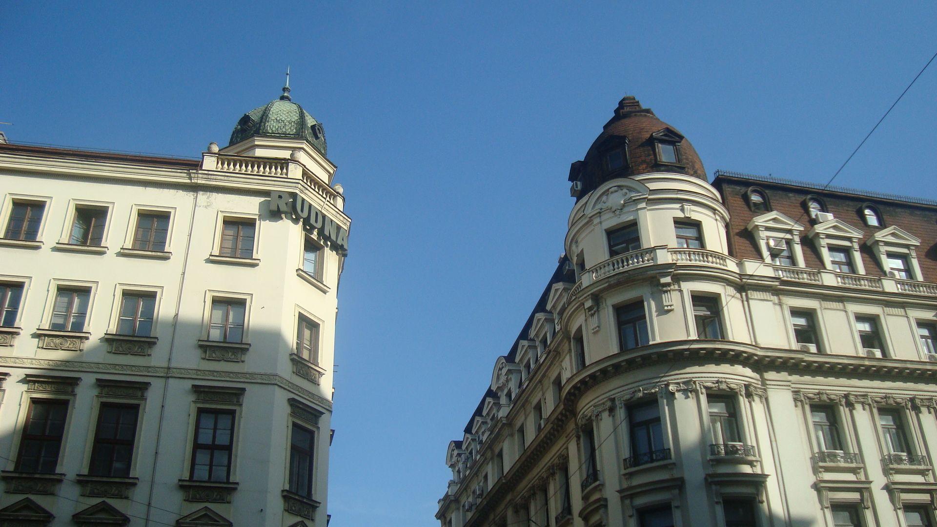 Beaux immeubles dans la rue Knez Mihajlo