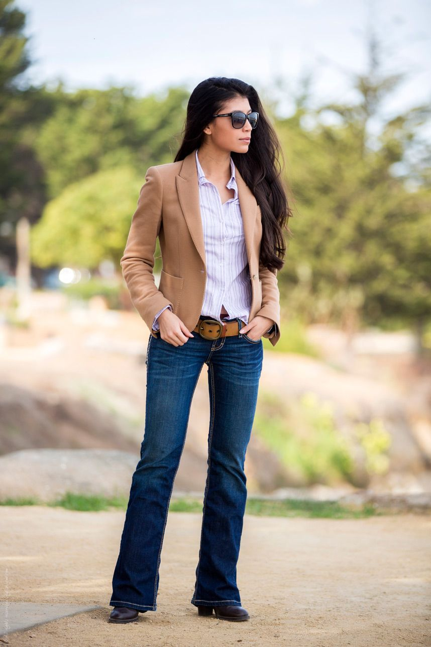 Skinny bootcut jeans outfit