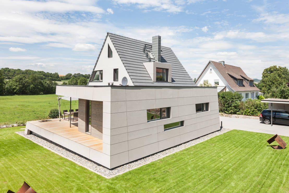 Anbau angelehnt an den bestand moderne häuser von wukowojac architekten