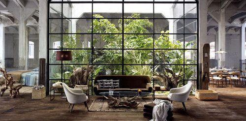 Patio vert au milieu du salon #patio #jardin #salo...