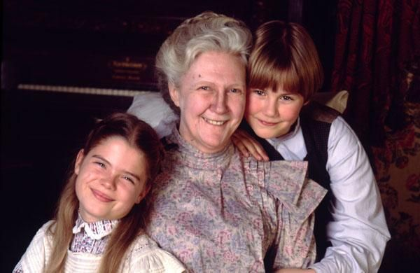 Rachel Lynde Dora And Davey With Images Road To Avonlea