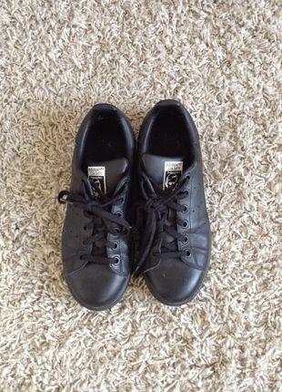 9f7e6d766392 À vendre sur  vintedfrance ! http   www.vinted.fr chaussures -femmes baskets 21931758-adidas-stan-smith-noir